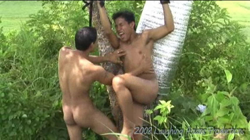 02 Outdoor Tickling - Benjie
