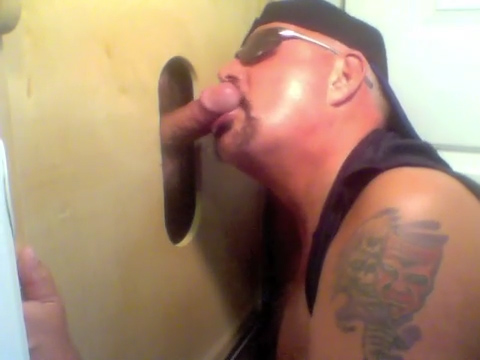 Big Dick Blowjob At The Gloryhole